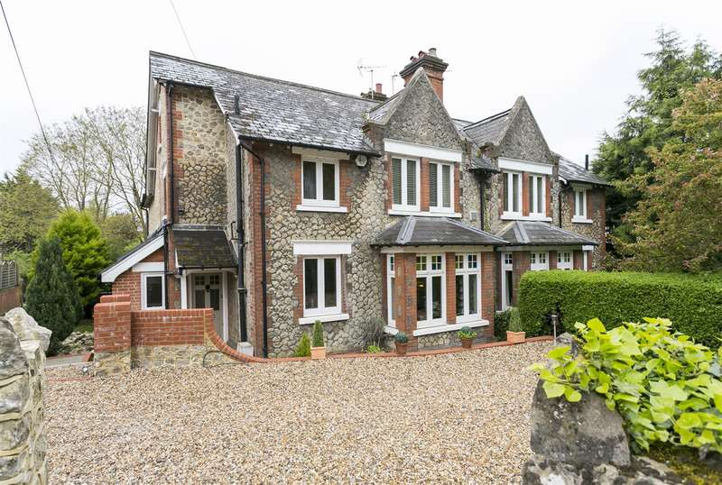 4 Bedrooms Semi Detached House for sale in Town Hill, West Malling