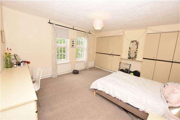 3 Bedrooms Maisonette Flat for rent in Maisonette, North Street, Bedminster, Bristol