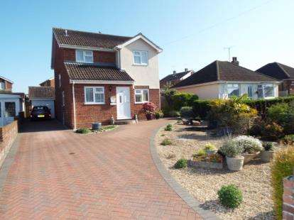 5 Bedrooms Detached House for sale in Walton On The Naze, Essex