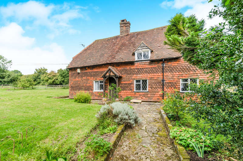 3 Bedrooms Detached House for rent in Henfold Lane, Newdigate, Dorking