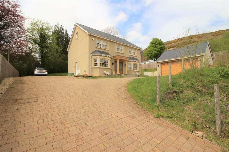 4 Bedrooms Detached House for sale in Orchard House, Pentre