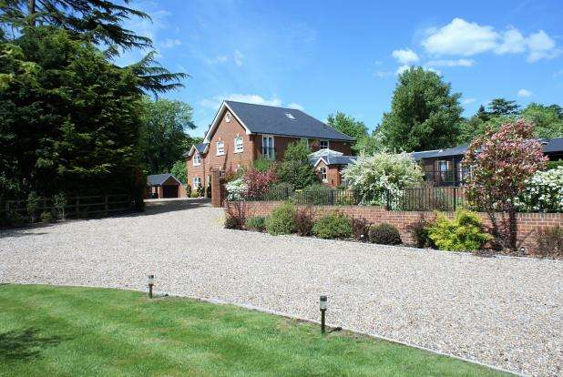 5 Bedrooms Equestrian Facility Character Property for sale in Chobham, Woking, Surrey