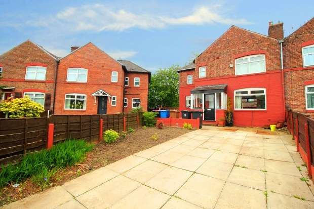 3 Bedrooms Semi Detached House for sale in Matlock Avenue, Salford, Lancashire, M7 3RN