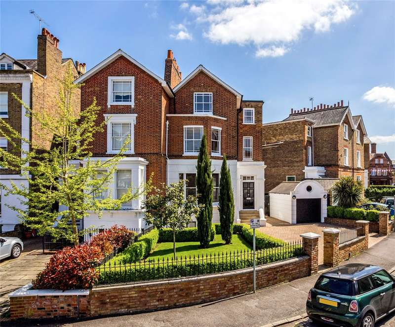 3 Bedrooms Semi Detached House for sale in Trinity Place, Windsor, Berkshire, SL4
