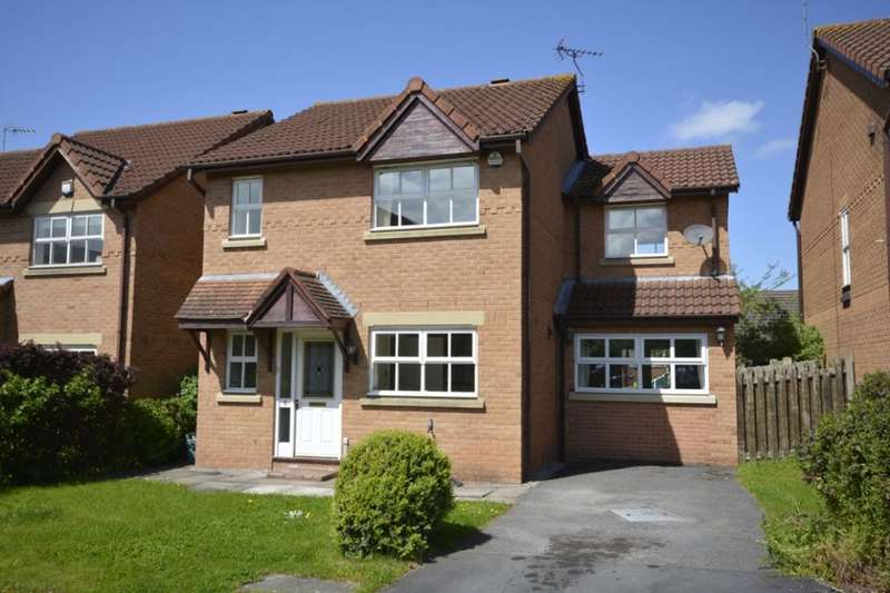 3 Bedrooms Detached House for sale in Pennington Close, Frodsham, WA6