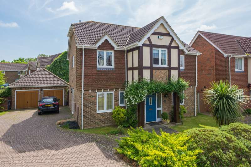 5 Bedrooms Detached House for sale in Haywain Close, Kingsnorth, Ashford, TN23
