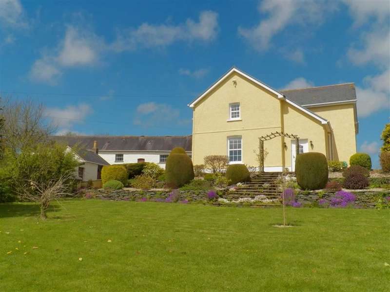 4 Bedrooms Farm House Character Property for sale in Trawsmawr, Carmarthen