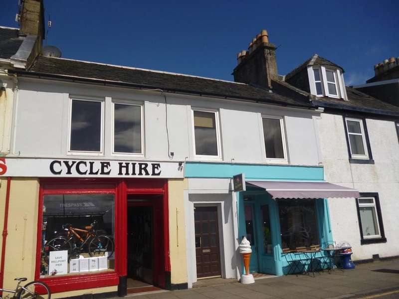 3 Bedrooms Flat for sale in 6 Guildford Street, Millport, ISLE OF CUMBRAE, KA28 0AE