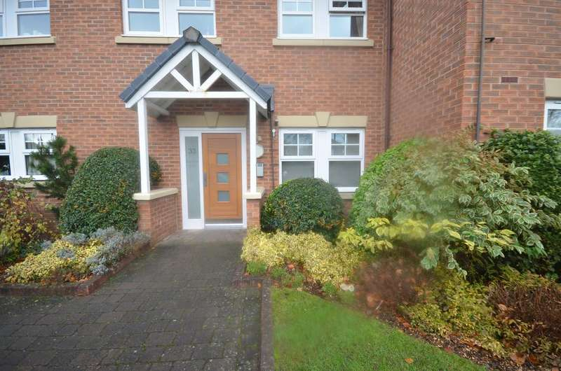 2 Bedrooms Apartment Flat for sale in Wellington Court, Wellington Road, Timperley WA15