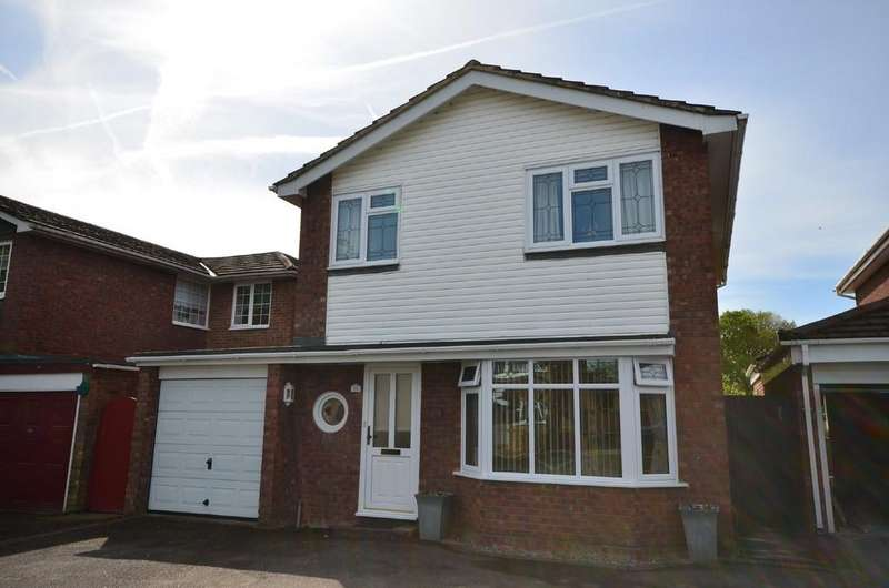 4 Bedrooms Detached House for sale in Loddon Way, Ash