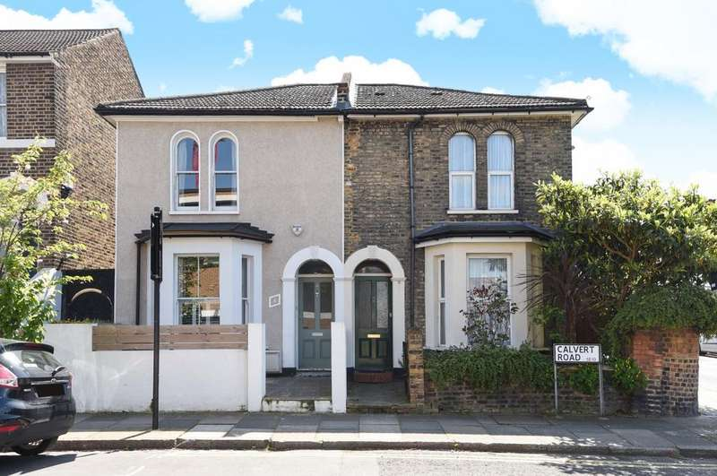 3 Bedrooms Semi Detached House for sale in Calvert Road London SE10