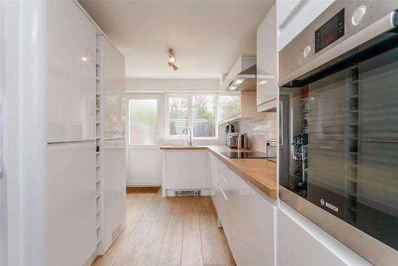 3 Bedrooms Terraced House for sale in Woodlands, Highclere, Newbury, Berkshire, RG20