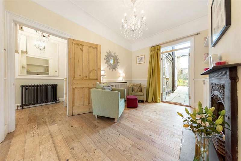 4 Bedrooms Terraced House for sale in St. James's Drive, SW17
