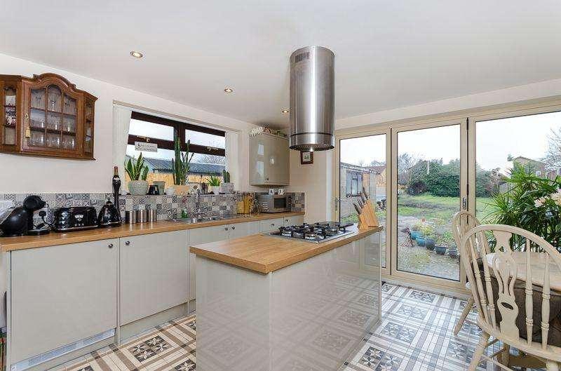 3 Bedrooms Semi Detached House for sale in 206 Doddington Road, Lincoln