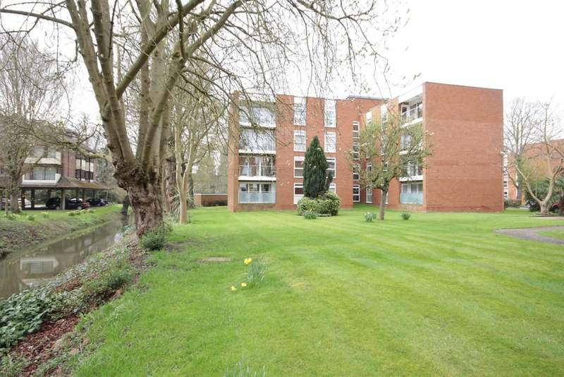 2 Bedrooms Apartment Flat for sale in Riverine, Maidenhead
