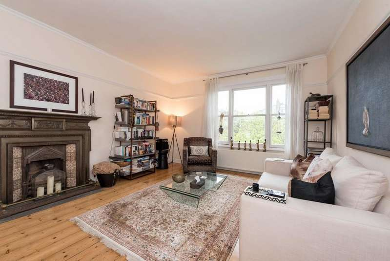 2 Bedrooms Apartment Flat for sale in Belsize Square, London