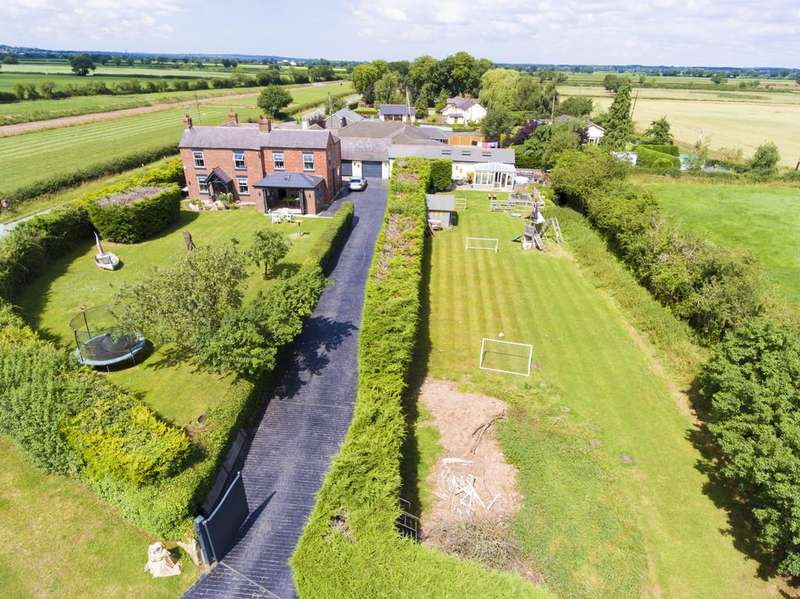 5 Bedrooms Detached House for sale in Rossett Road, Holt
