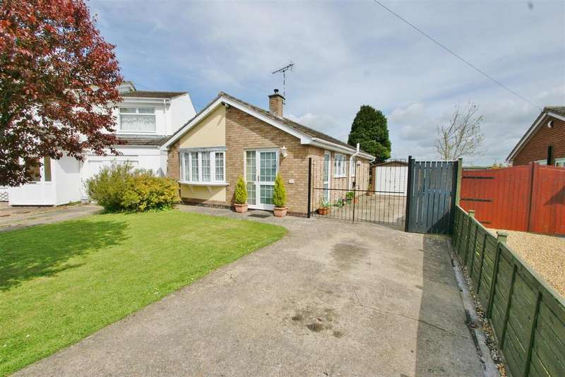 3 Bedrooms Detached Bungalow for sale in Gibson Drive, Rugby