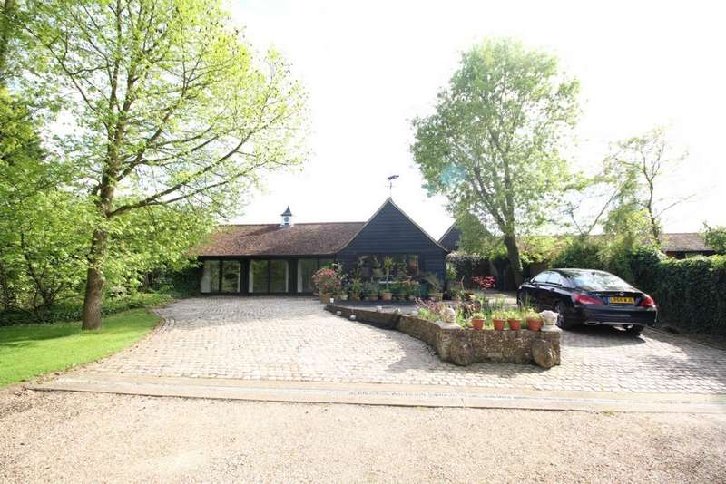 2 Bedrooms Barn Conversion Character Property for rent in Masons Bridge Farm, Fiddlers Hamlet, CM16