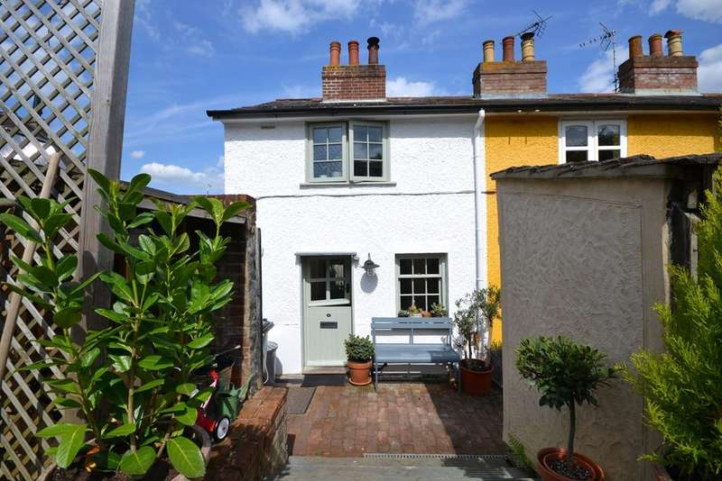 2 Bedrooms Cottage House for sale in Chelmer Terrace, Maldon, CM9