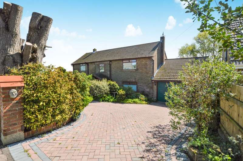 4 Bedrooms Detached House for sale in Balmoral Road, Kingsdown, Deal, Kent CT14 8BX