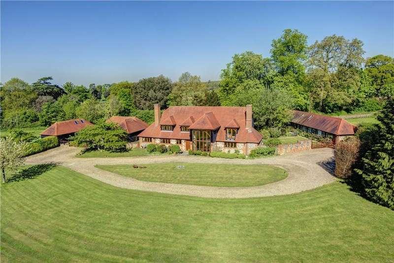 5 Bedrooms Detached House for sale in Kentons Lane, Upper Culham, Berkshire, RG10