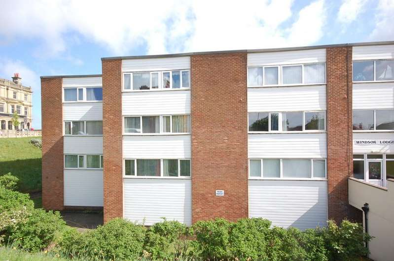 2 Bedrooms Ground Flat for sale in 4 Windsor Lodge