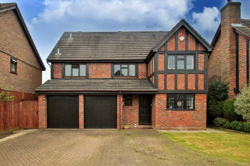 5 Bedrooms House for sale in Lowry Close, College Town, Sandhurst, Berkshire, GU47