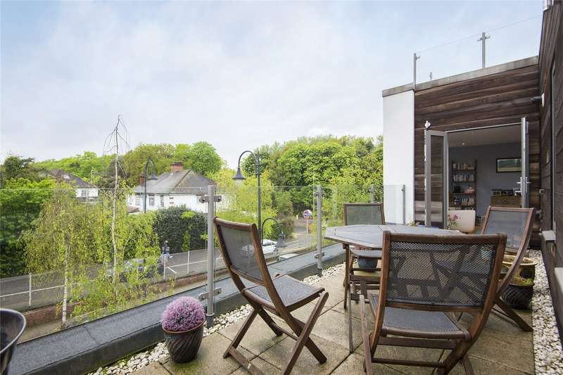1 Bedroom Flat for sale in Wilfred House, 1-3 Station Parade, London, E11