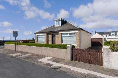 3 Bedrooms Bungalow for sale in Kirkholm Avenue, Ayr