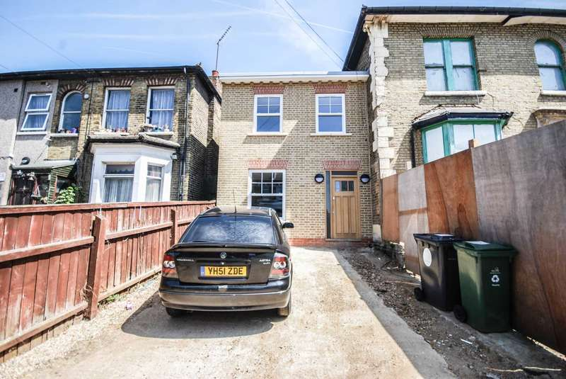 3 Bedrooms End Of Terrace House for sale in Vicarage Road, Leyton