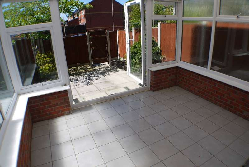 3 Bedrooms Terraced House for sale in Millstead Road, Wavertree, Liverpool, L15