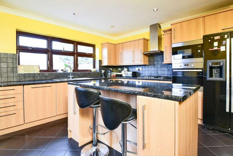 4 Bedrooms Semi Detached House for sale in Totnes Road Welling DA16