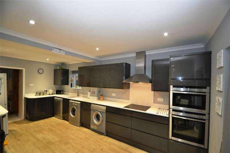 3 Bedrooms Semi Detached House for sale in Burgundy Croft, WELWYN GARDEN CITY, Hertfordshire