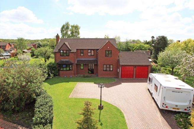 4 Bedrooms Detached House for sale in Larch House, Muxton Lane, Muxton, Telford, Shropshire, TF2 8PF