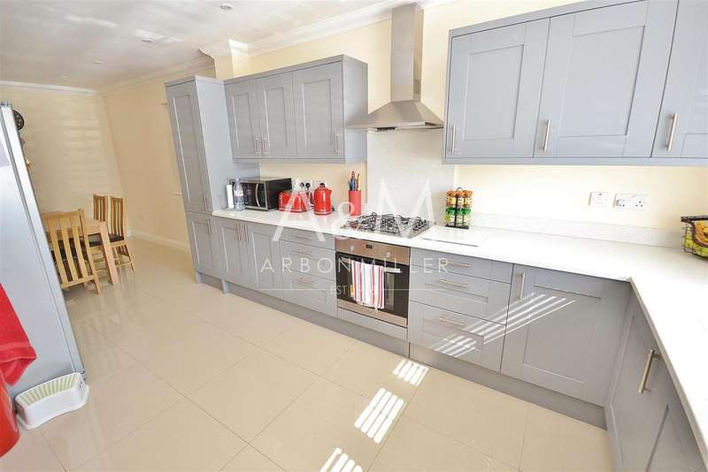 5 Bedrooms House for rent in Kingsley Road, Hainault