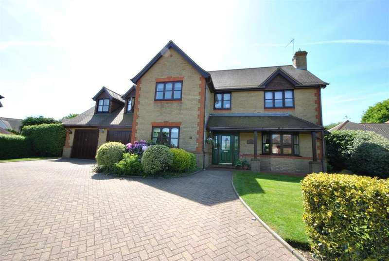 5 Bedrooms Detached House for sale in Bluebell Drive, Goffs Oak