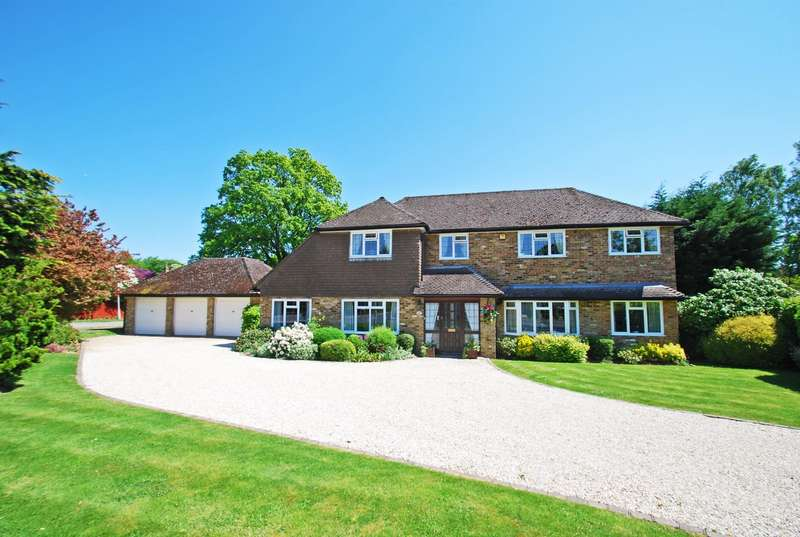 4 Bedrooms Detached House for sale in Sandelswood End, Beaconsfield, HP9
