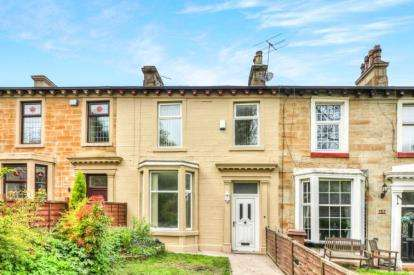 3 Bedrooms Terraced House for sale in Manchester Road, Burnley, Lancashire, BB11