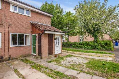 1 Bedroom Flat for sale in Oak Croft, Clayton-Le-Woods, Chorley