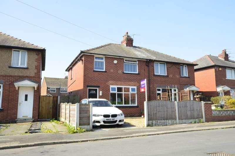 3 Bedrooms Semi Detached House for rent in Beech Avenue, Kearsley, Bolton, BL4