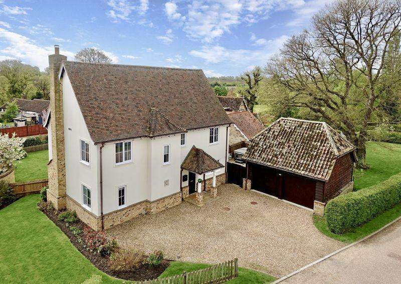 4 Bedrooms Detached House for sale in Foxenfields, Abbots Ripton, Huntingdon, Cambridgeshire.