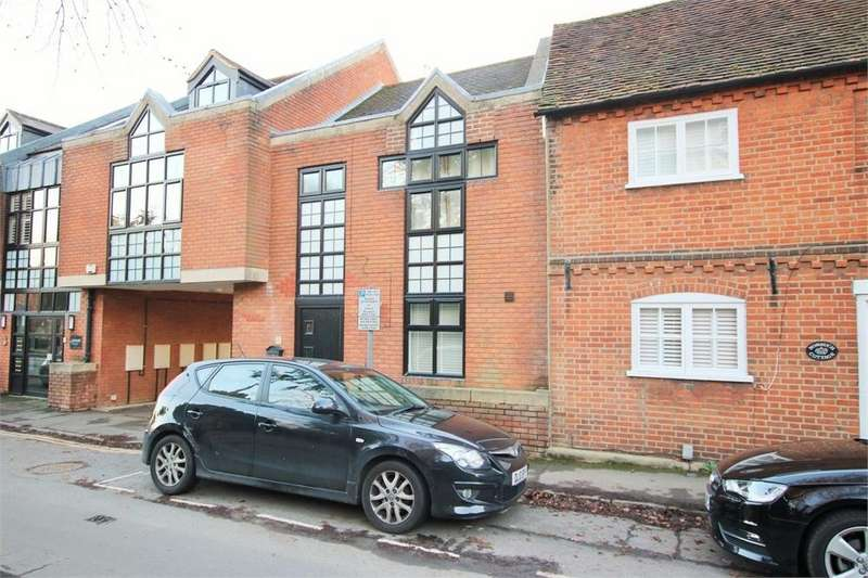 2 Bedrooms Terraced House for sale in The Cottage, Milton Road, WOKINGHAM, Berkshire