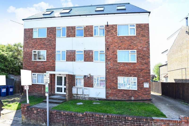 3 Bedrooms Flat for sale in Stanhope Road, North Finchley, N12
