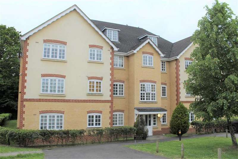 2 Bedrooms Apartment Flat for sale in Hurworth Avenue, Langley, Berkshire