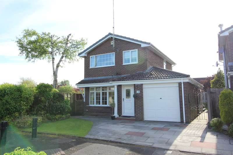 3 Bedrooms Detached House for sale in Arundel Close, Bury, BL8