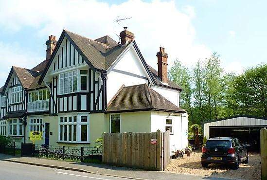 5 Bedrooms Semi Detached House for sale in High Street, Etchingham, East Sussex, TN19 7AP