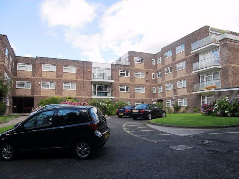 2 Bedrooms Flat for sale in Park Lane, Salford, M7