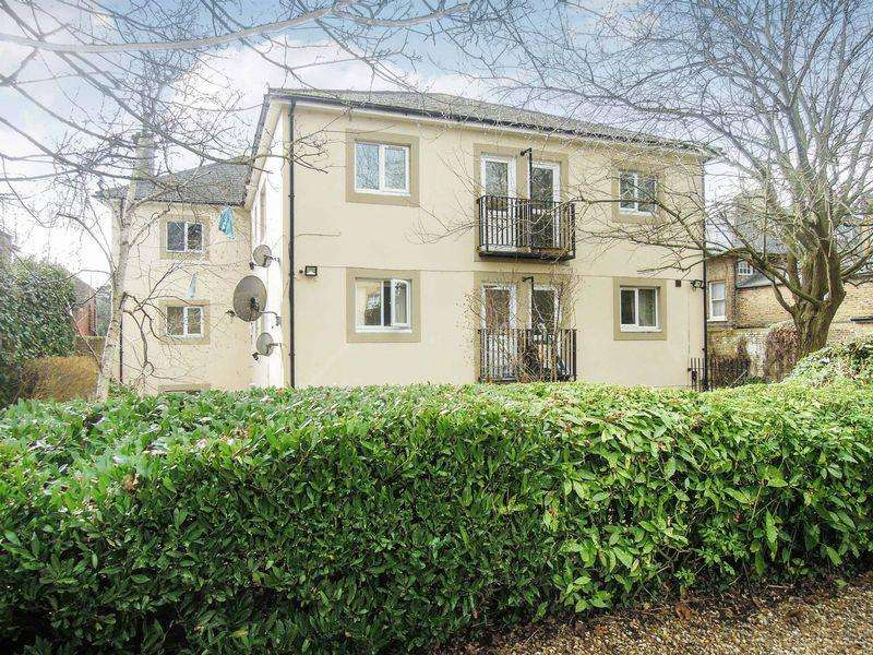 Studio Flat for sale in Sussex Place