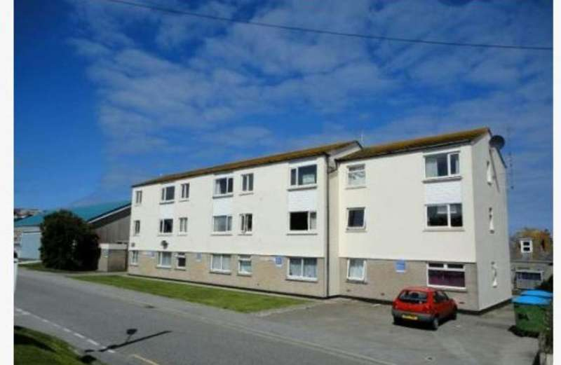 2 Bedrooms Property for rent in Perranporth,Cornwall